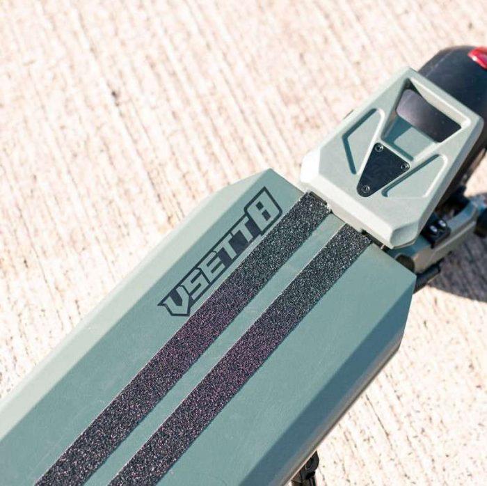 elektricni skiro VSETT8